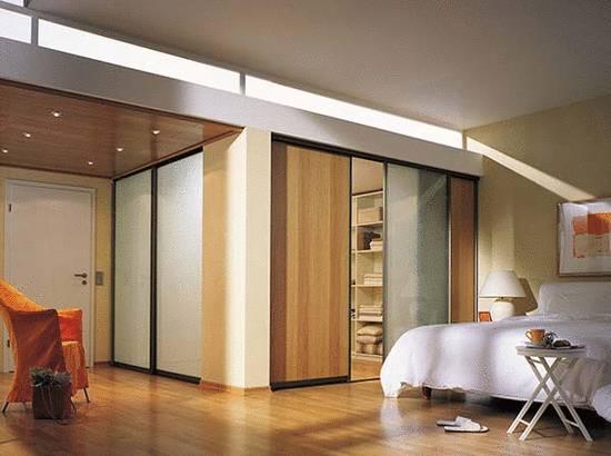 begehbarer kleider schrank systeme holz ziller. Black Bedroom Furniture Sets. Home Design Ideas